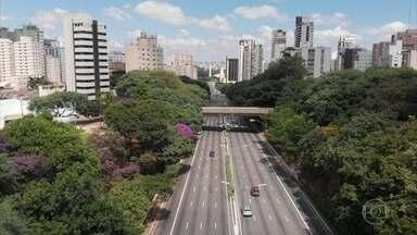 Lockdown: entenda o que é e quando é necessário adotar essa medida - Hoje, no Brasil, cada pessoa infectada transmite a Covid-19, em média, para outras duas. Quanto mais gente circulando, mais a doença se espalha. Nesses casos, segundo os especialistas, o lockdown é a única saída.