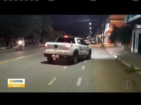 Família têm casa invadida por criminosos na noite deste domingo (10) em Valadares - A tentativa do crime foi na avenida José Evair de Matos. A PM chegou rapidamente ao local e ninguém se feriu.