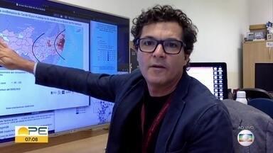 Cientista reforça respeito à quarentena: 'cada dia que alguém sai, a gente estica o prazo' - Epidemiologista de dados Jones Albuquerque aponta que feitos da quarentena devem ser avaliados a partir da segunda semana.