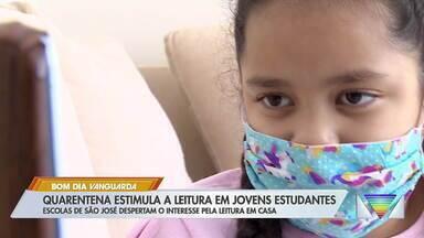 Quarentena estimula leitura em jovens estudantes - Escolas de São José despertam o interesse pela leitura em casa.