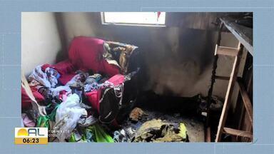 Fogo atinge residências em Maceió e União dos Palmares - Imóveis foram atingidos pelas chamas; ninguém ficou ferido.