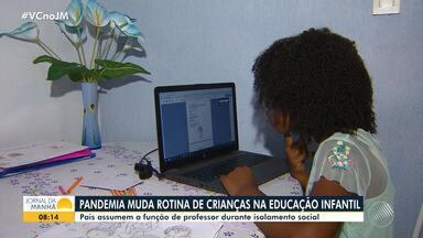Sociedade Brasileira de Pediatria dá orientações para a educação das crianças na pandemia - Por causa do isolamento social, muitos pais têm feito as vezes de professores dos filhos.