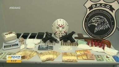 Polícia prende cinco suspeitos por tráfico de drogas, em Manaus - Operação foi realizada em dois bairros.