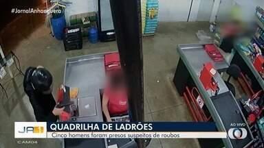 Grupo é preso suspeito de praticar roubos na Região Metropolitana de Goiânia - Segundo a polícia, um dos suspeitos é servidor público.