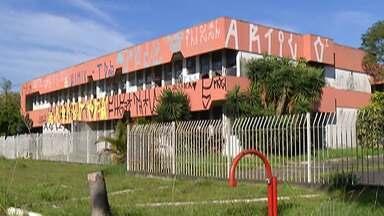Prefeitura de Poá consegue autorização e deve começar licitação para demolir antigo fórum - Prédio foi desativo em 2009 e agora atividades do Tribunal de Justiça no município são realizadas em imóvel alugado.