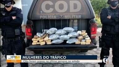 Mulheres são presas transportando drogas em Goiás - Segundo a polícia, a maioria delas recebeu dinheiro pelo transporte da droga.