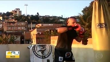 Você na Quarentena: - Telespectador treina boxe na laje.