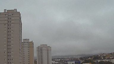Previsão do tempo: Sexta-feira terá temperaturas baixas no Alto Tietê - A temperatura volta a aumentar aos poucos no fim de semana. Não há previsão de chuva.