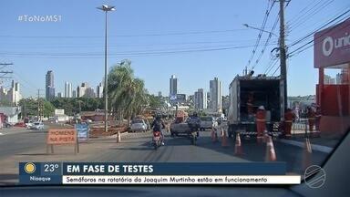 Começa teste em semáforos em rotatória da Joaquim Murtinho - Local é passagem de 68 mil veículos por dia e terá novo sistema de sinalização