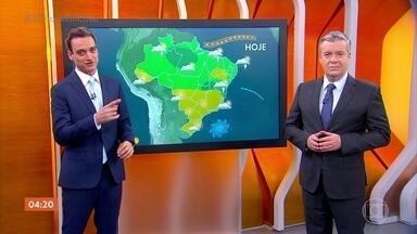 Previsão é de chuva em Roraima e em parte do Amazonas nesta segunda-feira - O frio diminui no Sul do Brasil. Veja como fica o tempo em todo o país.