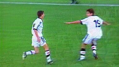 Em 1998, Vasco vence o Grêmio por 1 a 0 pelo jogo de volta das quartas da Libertadores - Em 1998, Vasco vence o Grêmio por 1 a 0 pelo jogo de volta das quartas da Libertadores
