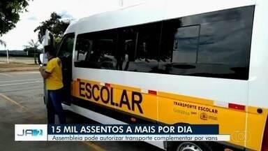 Projeto de lei quer autorizar vans escolares a fazer serviços complementares em Goiás - Vans estão paradas durante a pandemia.