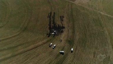Avião que caiu em Tietê estava com documentação irregular desde 2017 - A aeronave que caiu em Tietê (SP), na terça-feira (19), estava com a documentação irregular desde 2017. Além disso, ela fez um pouso forçado em 2012, em Campinas.