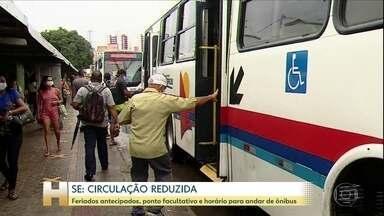 Em Sergipe tem antecipação de feriado e restrição no horário de andar de ônibus - Os idosos só terão a gratuidade no transporte público fora dos horários de pico. Das dez da manhã as três da tarde. Segundo a prefeitura, de cada dez mortos por Covid-19, sete são idosos,