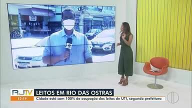Com leitos todos ocupados, Rio das Ostras, RJ, aguarda hospital de campanha ficar pronto - Unidade começou a ser construída em abril, mas ainda não possui previsão de inauguração. Hospital vai contar com aproximadamente 30 leitos.