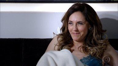 """Tereza Cristina acorda faminta - Dondoca diz que a fome é por causa de um """"bofe"""""""