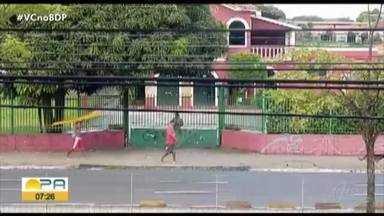 Vândalos são flagrados roubando grade de proteção da pista expressa do BRT em Belém - Vândalos são flagrados roubando grade de proteção da pista expressa do BRT em Belém