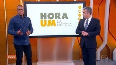 """Thiago Oliveira comenta sobre racismo contra negros no Brasil e no mundo - Nos EUA, a morte de um homem negro durante abordagem policial gerou protestos pelos país. Para Thiago, essa é uma triste realidade em todo o mundo.""""Muitas pessoas querem nos matar com vocabulário, com escolhas e é isso que dói mais. O que vimos nos EUA dóis demais, mas acontece aqui no Brasil. O racismo está tão enraizado que é uma realidade dura de acabar""""."""