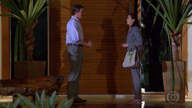 René revela a Griselda que foi expulso de casa - undefined