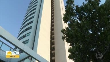 Empregadora de mãe de menino que morreu ao cair de prédio é atuada por homicídio culposo - Miguel Otávio caiu do 9º andar de um edifício de luxo no Recife, onde a mãe trabalhava como empregadora doméstica.