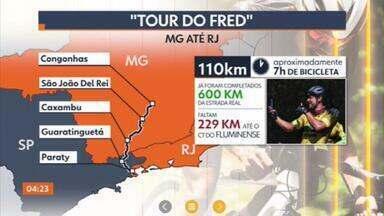 """""""Tour do Fred"""" chega ao Rio de Janeiro - O atacante Fred e o preparador físico Jefferson Souza completaram 600 km da Estrada Real, formada por rotas construídas para atividade minerária na época do Brasil-Colônia. O tour tem caráter solidário."""