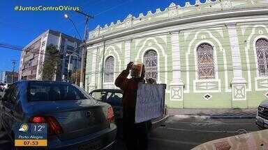 Jovem vende paçoca nas sinaleiras de Pelotas para realizar sonho de ser milionário - undefined