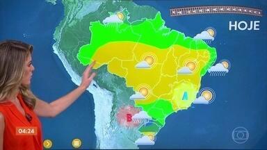 Previsão do tempo: chuva volta a ser destaque - Em São Paulo, pode chover de forma isolada à tarde. Pode chover forte no Sul, Roraima e Amapá. E no leste de Alagoas e Pernambuco.