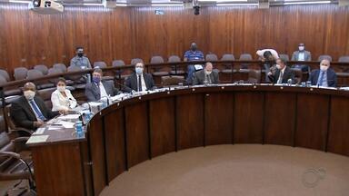Câmara de Marília retoma sessões presenciais - As sessões presenciais da Câmara de Marília foram retomadas na segunda-feira. Onze vereadores foram ao plenário e apenas dois parlamentares, que estão no grupo de risco para a Covid-19, participaram de forma remota.