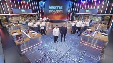 Programa de 11/06/2020 - Competição entre chefs profissionais apresentada por Claude Troisgros e Batista. Com os mestres Leo Paixão, Kátia Barbosa e José Avillez, e a cobertura de Monique Alfradique.