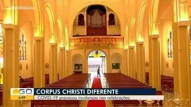 Confira como goianos celebraram Corpus Christi - Fiéis tiveram que adaptar comemoração por causa da pandemia do coronavírus.