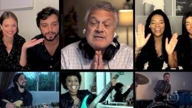 Pedro Bial e convidados cantam 'Dia de Domingo' - Confira