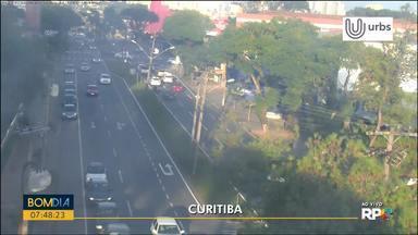 Confira o trânsito nesta manhã em Curitiba - As informações são do Waze e de câmeras cedidas pela Urbs.