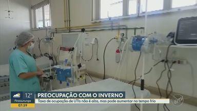 Franca instala 10 respiradores no pronto-socorro e amplia leitos de UTI Covid-19 - Com a chegada de novos equipamentos, polo de atendimento passa a contar com 15 vagas para casos graves. Início do inverno deixa autoridades em alerta para aumento de casos.