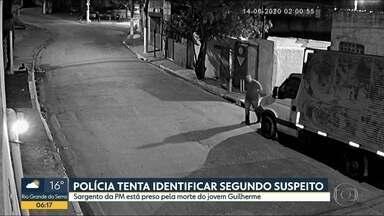 Polícia faz buscas em endereços ligados ao PM acusado de matar adolescente em SP - Sargento Adriano foi preso e polícia tenta localizar segundo suspeito.