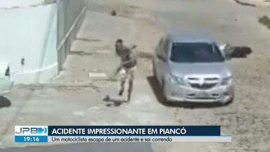 Motociclista escapa de acidente impressionante em Piancó, no Sertão da Paraíba - Ele gravou um vídeo pro JPB2 falando sobre o acidente.