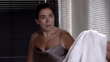 Griselda questiona Pereirinha sobre o tesouro - Pereirinha é pego de surpresa pela pergunta da ex-mulher