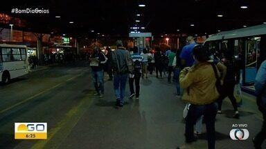 Terminais de ônibus sofrem impacto por conta da flexibilização do comércio em Goiânia - Expectativa é que estações fiquem mais cheias.