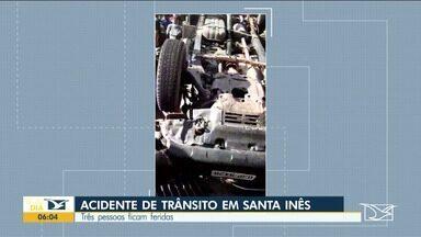 Três pessoas ficam feridas durante acidente em avenida de Santa Inês - Segundo algumas testemunhas, o motorista de uma caminhonete foi desviar de duas mulheres em uma motocicleta e acabou batendo num buraco e um dos pneus estourou.