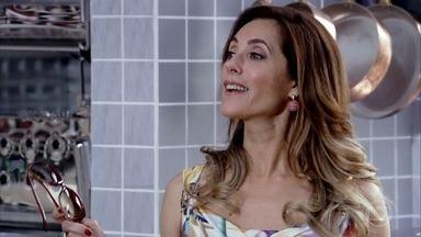 Tereza Cristina anuncia que vai reabrir o Le Velmont - A perua provoca Griselda e faz insinuações sobre quem financiou o novo restaurante de René. Tereza Cristina avisa que vai contratar um chef para o Le Velmont e Fred fica interessado