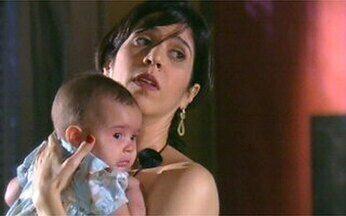 Suzy ganha ajuda de Dona Nenê! - O Video Show leva a matriarca da Grande Família para dar uma mãozinha para a mamãe de primeira viagem, em Beleza Pura.