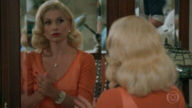 Sandra arma para que Maria termine seu relacionamento com Celso - Ela conta que o irmão passou a noite fora de casa