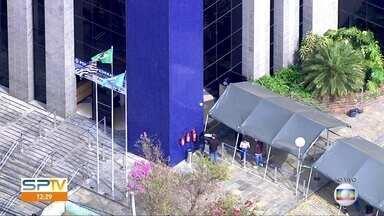 Polícia Federal volta a emitir passaportes em São Paulo - Interessados devem fazer um agendamento prévio, pela internet, para solicitar o documento.