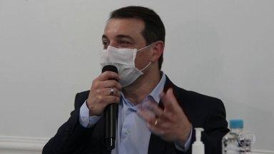 Governador de SC testa positivo para Covid-19 - Carlos Moisés, do PSL, vai cumprir a quarentena em casa.