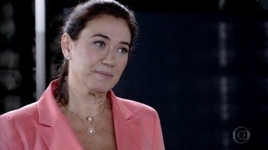 Griselda humilha Tereza Cristina - A nova milionária é irônica ao comparar René e Pereirinha. Crô, Alice e Íris tentam conter Tereza Cristina. René fica orgulhoso da atitude da namorada com sua ex-mulher