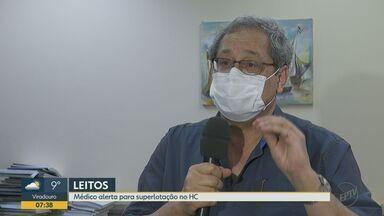 Médico alerta para superlotação no Hospital das Clínicas em Ribeirão Preto, SP - Unidade médica atende toda região.