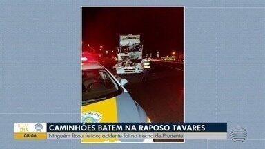 Acidente entre caminhões é registrado na Rodovia Raposo Tavares - Batida foi em trecho em Presidente Prudente.