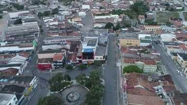 Covid-19 se propaga pelas cidades do interior de Pernambuco - A maioria dos pacientes internados com o novo coronavírus no Recife são de outras cidades do estado. Bezerros e Caruaru estão em lockdown.