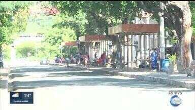 Paradas de ônibus permanecem vazias no 1º dia do fim da greve de motoristas em Teresina - Paradas de ônibus permanecem vazias no 1º dia do fim da greve de motoristas em Teresina