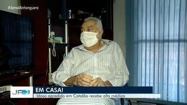 Comerciante idoso que foi empurrado por cliente fica na cadeira de rodas, em Catalão - Câmeras de segurança registraram a agressão.