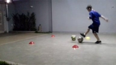 Olimpíadas de Casa: Desafio da Bola entre Cones - Olimpíadas de Casa: Desafio da Bola entre Cones